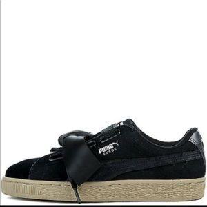 NWT Puma Suede Heart Safari Ribbon Sneakers